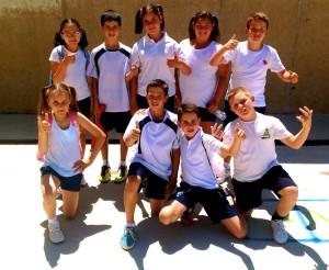 Encuentro de acrosport en educación física entre colegios