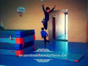 Saltos y habilidades motrices básicas en educación física