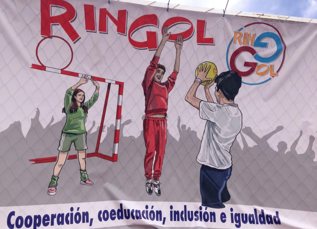 cartel con jugadores jugando al ringol